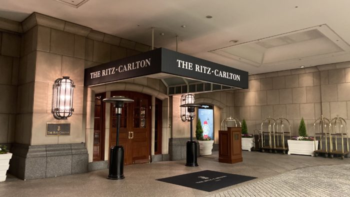 ザ・リッツ・カールトン大阪 正面玄関