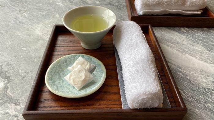 お茶と和菓子でチェックイン
